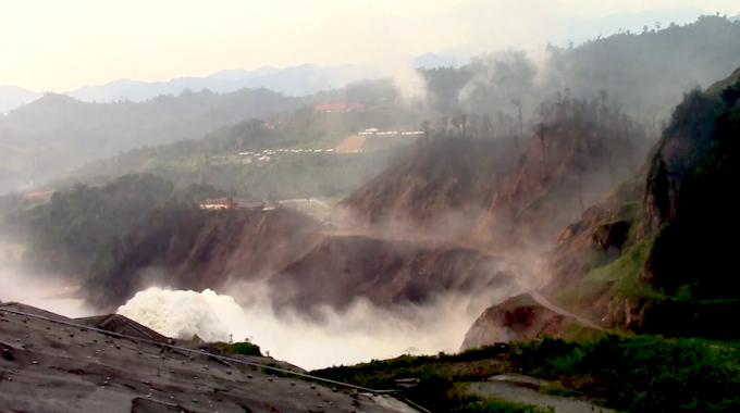 Hydrogen Sulfide plume rises from Bakun Dam in Sarawak, Malaysia