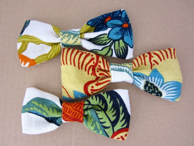 Bows from the same fabric may look quite different (In Bloom bows).