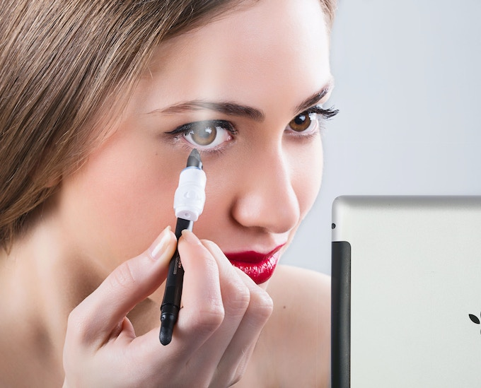 The BeautyBeam Features a Beauty Mirror App