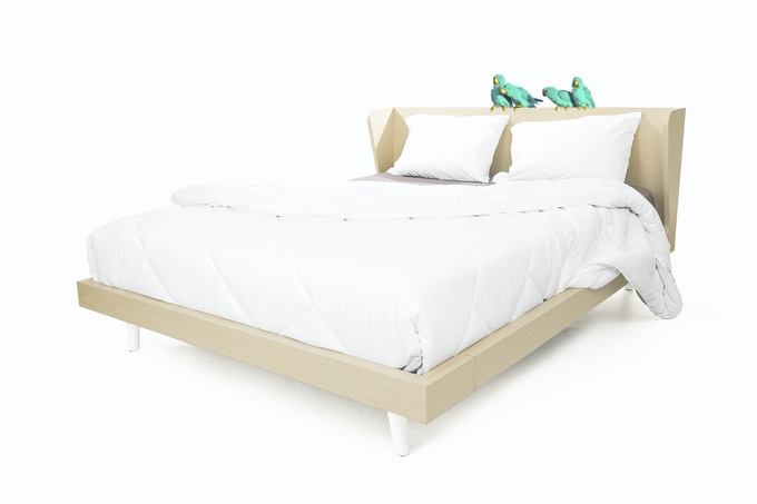 The bed Lena (available in single and double bed size).