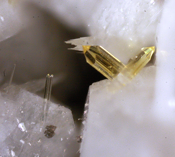 Burbankite (Sharp, stout, pale yellow crystals), Jones Mills Quarry,  Magnet Cove, Hot Spring Co., Arkansas