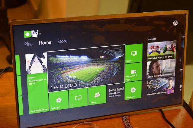 "18.4"" Full HD Display"