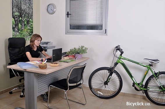 With Bicyclick CLICK-BASE you can finaly keep your office organized and your walls clean