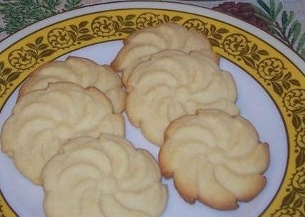 Buttery Almond Spritz's