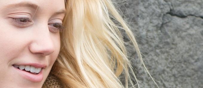 Maika Monroe as Jenai