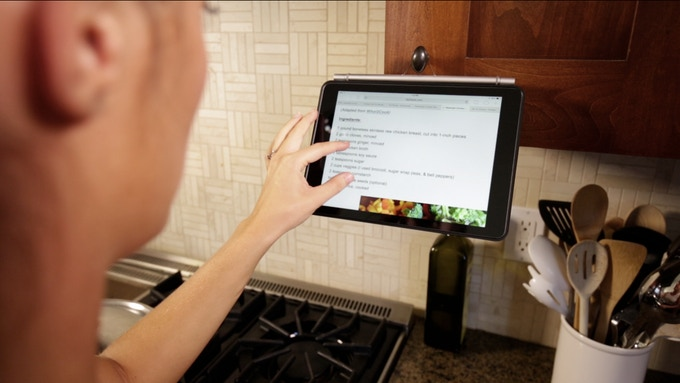 Loop it on the kitchen cabinet to view your recipes at perfect angle