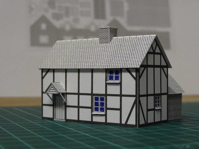 Kit 2 : a half-timbered house - front