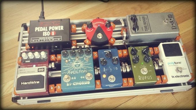 """loaded 20""""X12"""" flat board (effects pedals and power supply not included with pedalboard purchase)"""