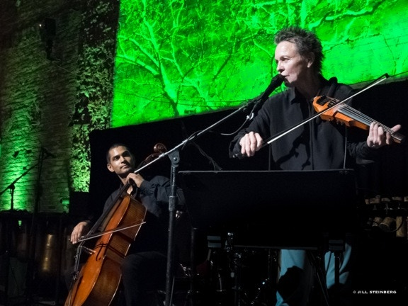 Laurie Anderson and Jeffrey Zeigler at the 2013 OMW gala, © Jill Steinberg