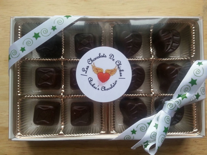 A box of 12 Chocolates (2 different flavours)