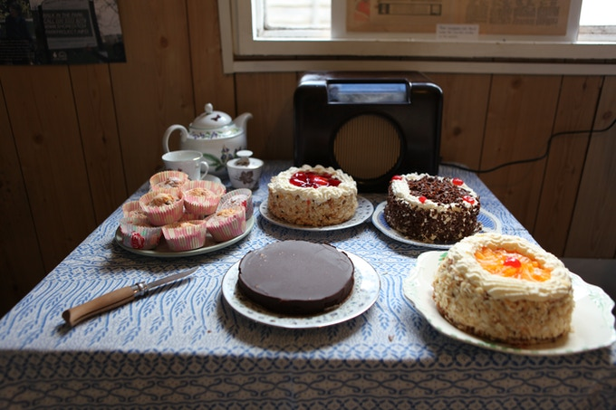 (Pre) fab cakes in the kitchen!
