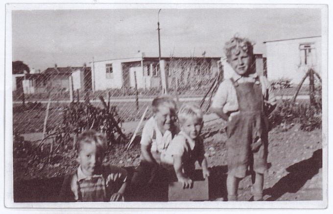 Children on the Excalibur Estate, late 40s