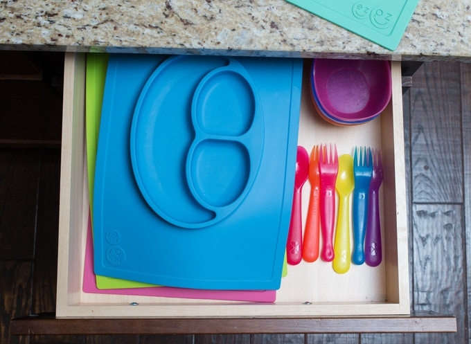Mats can also be stored in a utensil drawer.