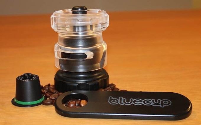Bluecup: capsule, cupcreator and spoon.