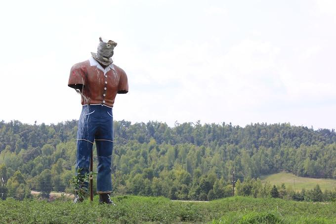 The Mortons Gap Muffler Man in 2012