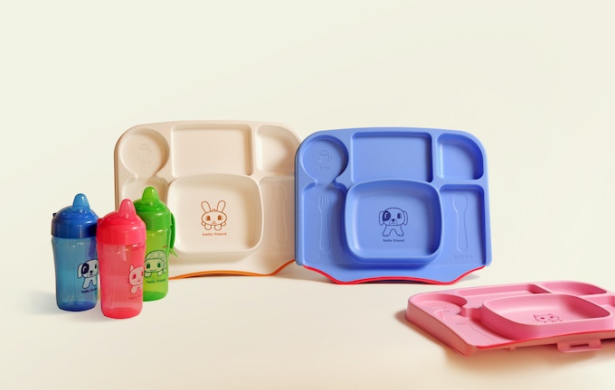 Lock-on Table Tray comes in white bunny, blue puppy or pink kitty.  BPA-free, dishwasher safe, Age 6+ mos.