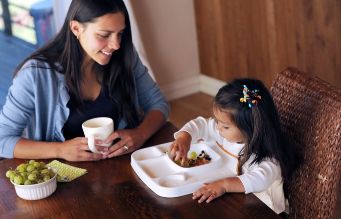 Lock-on Table Tray can be used with table chairs, highchairs and boosters, and locks to tables in seconds.