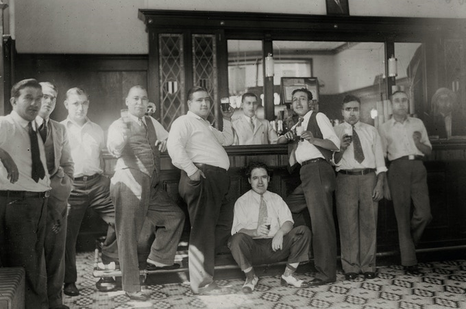 Spanish immigrants in Roosevelt Tavern (115 Roosevelt St., NYC) owned by Bergondo Andrés Sánchez (Coruña), c. 1933