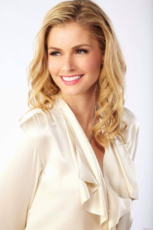 Brianna Brown is the mega-talented actress from Homeland, Devious Maids, True Blood and Graceland