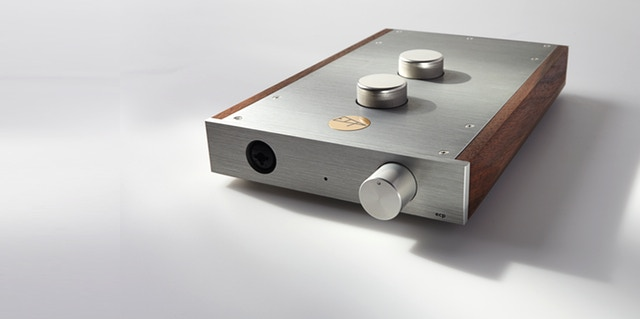 Aluminum and walnut headphone amplifier by ECP Audio