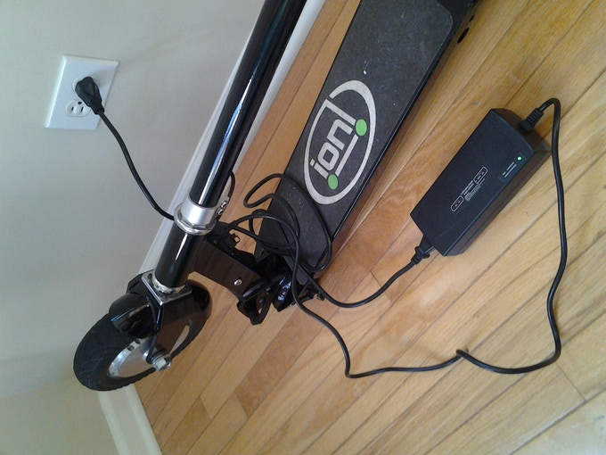 Glion SmartScooter charger