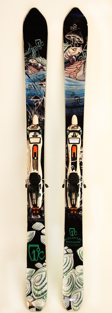 A pair of Chic White Hawks on skis