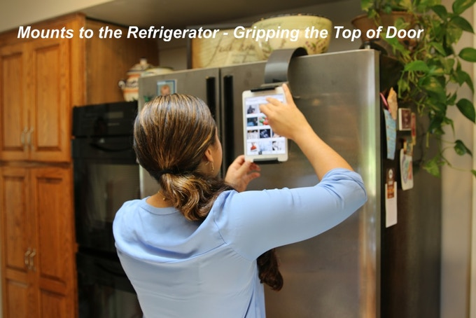 Mount it to the refrigerator and read recipes or make shopping lists with ease!