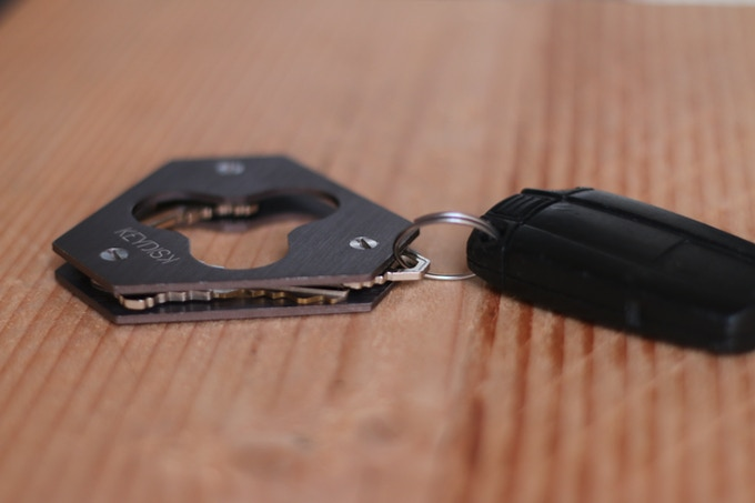 Carry your car keys with the attachment!
