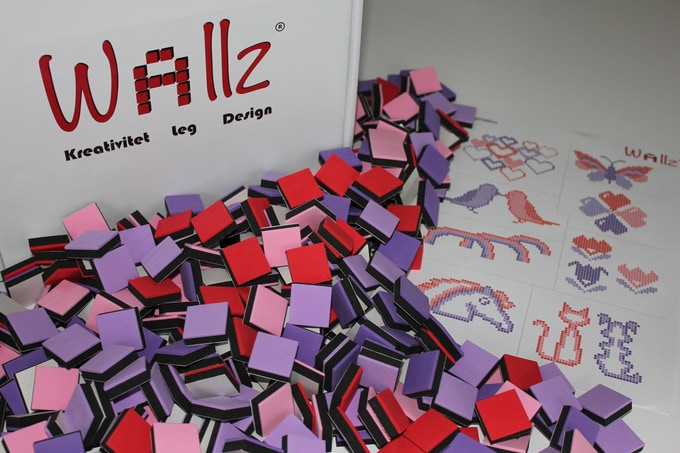 Combi 2; 400 cubes in purple, l.purple, red and pink.