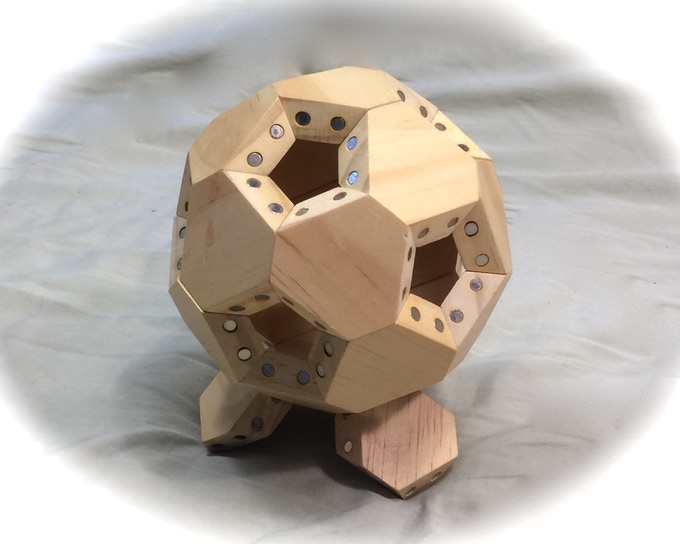 Icosa-FACETS arranged in a truncated icosahedron