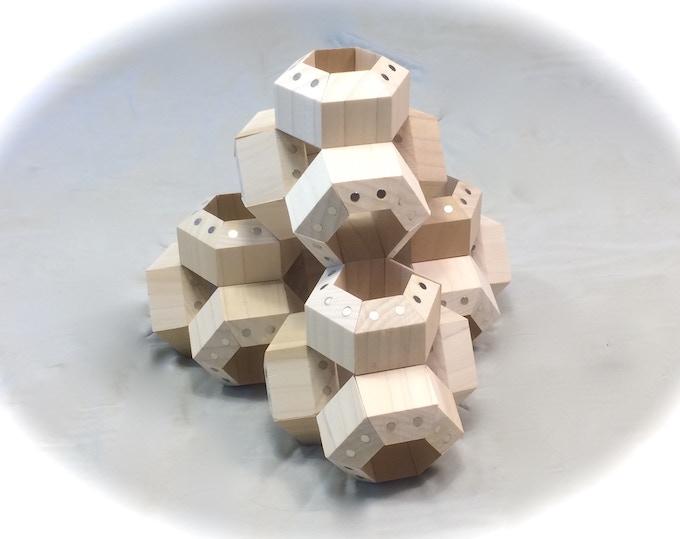 FACETS arranged in a Tetra Pyramid