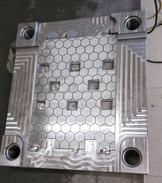 Inner vertical mold