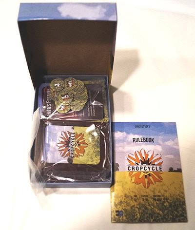 "Portable 2-piece Game box (5.5"" x 3.5"" x 1.5"")"