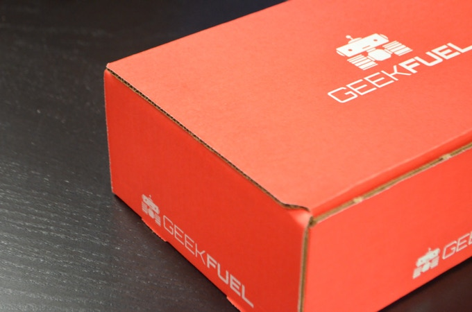 A geek sneak peek of the box