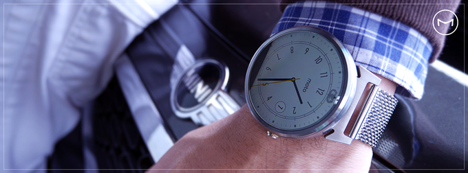 SteelConnect M°180 Silver with mesh metal strap.