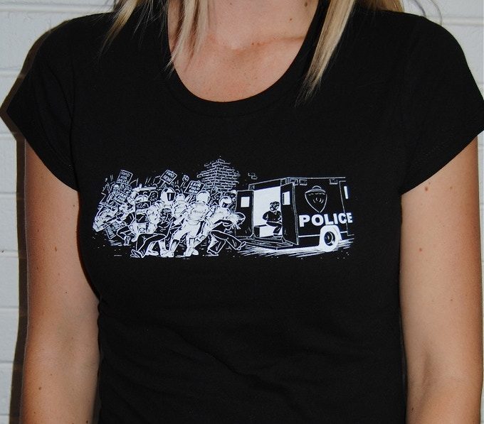 Female shirt, front.