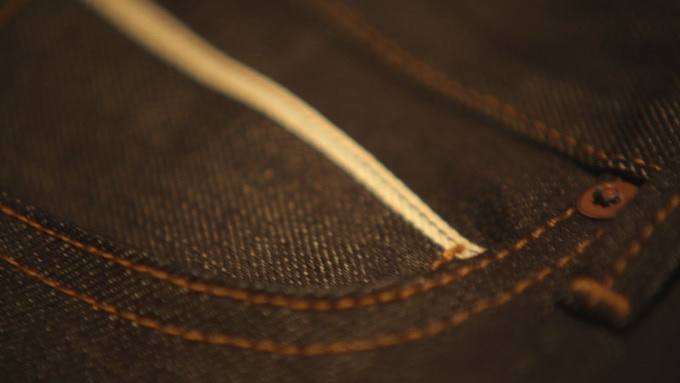 The selvedge stripe detail on Tobacco's fifth pocket.