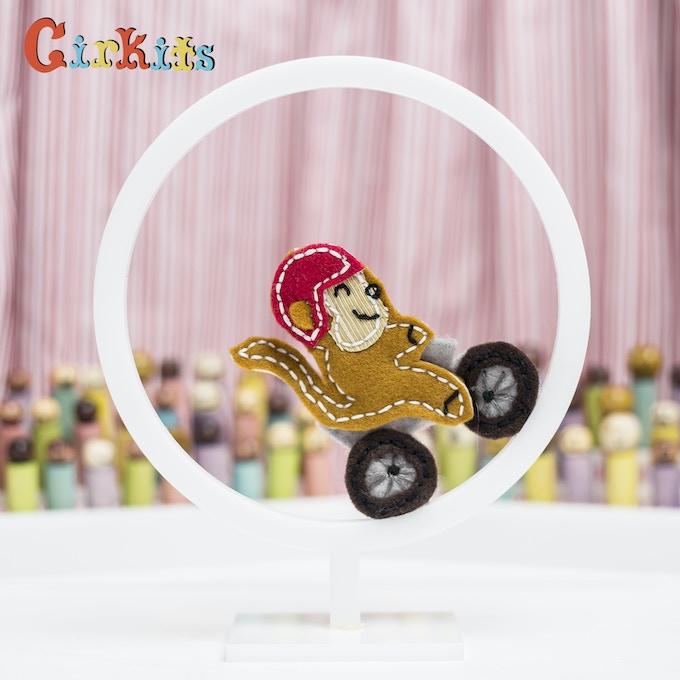 Monkey: spins around hoop