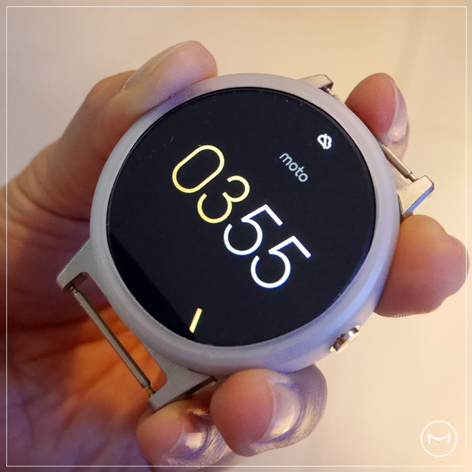 M-Suit : The Silicon Protective Jacket for your beloved Moto360