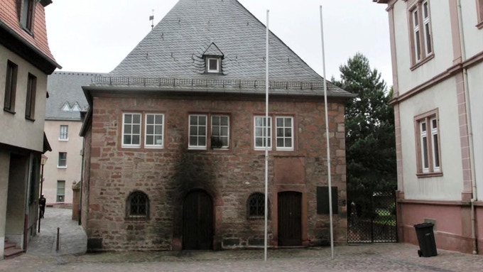 Burned synagogue Germany 2014