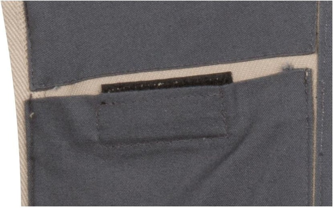 Velcro closure on ice pockets to firmly hold ice packs in place