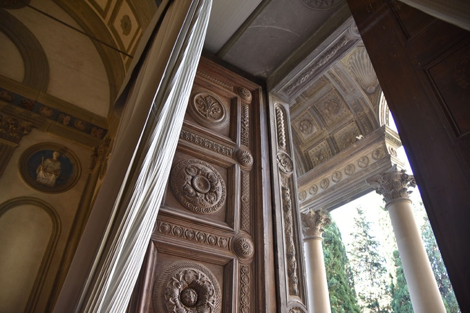 The Pazzi Chapel door in context