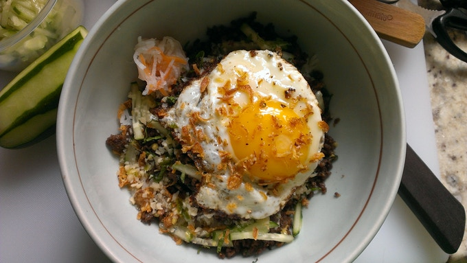 Eggyolk p0rn: (from the pop-up) Vietnamese Minced Beef-tacular w/ Fried-egg-liciousness