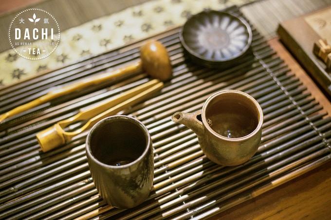Dachi Tea Co. Custom-Designed Tea Ware Set: Tall Tea Cup and Tea Steeper