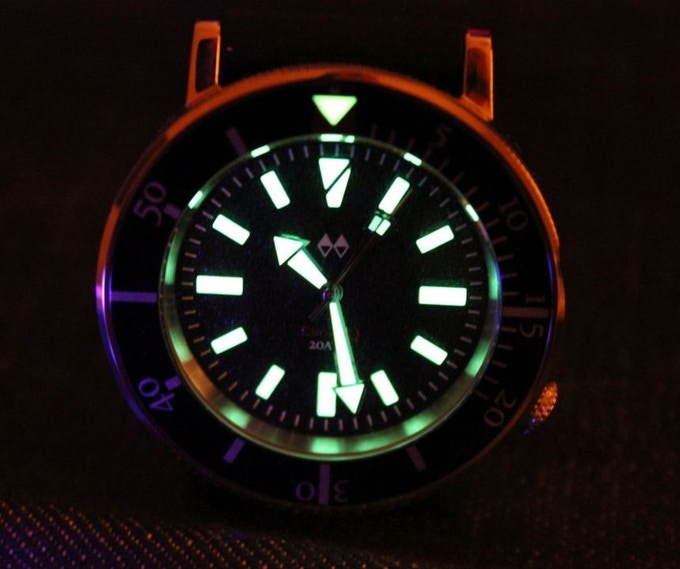 Lume pic from the quartz TatoskoQ (courtesy of ABlogToWatch). Lume will be just as strong on the automatic version as none of the suppliers/manufacturers have changed.