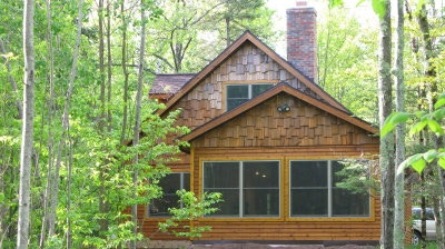 $900 Reward - Wisconsin Cabin on Chippewa River sleeps 6 for 1 Week, plus 6 buttons, 6 flasks and 6 String Cheese Hats