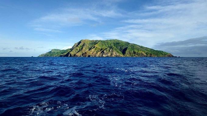Pitcairn island - no beaches here!