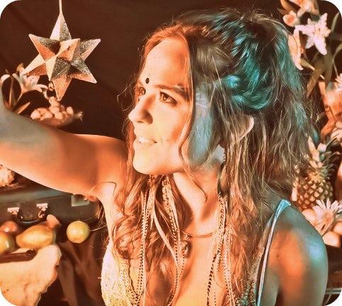 Amma Lightweaver - Vocalist www.entheomusic.com