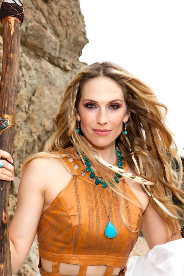 Amadora - Vocalist and Producer www.amadoramusic.com