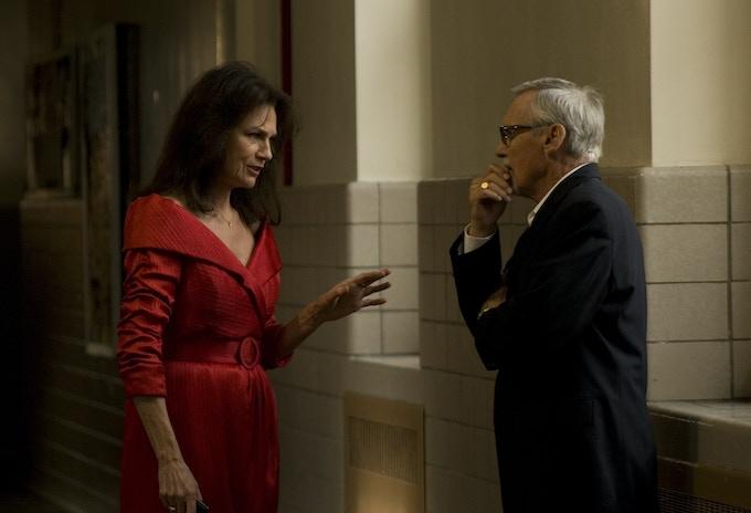 Jacqueline Bisset and Dennis Hopper talk it over